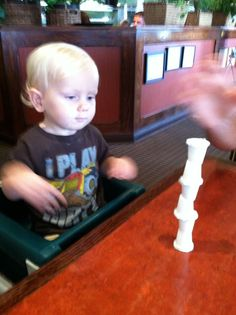 The Activity Mom: Dining Out with Toddlers