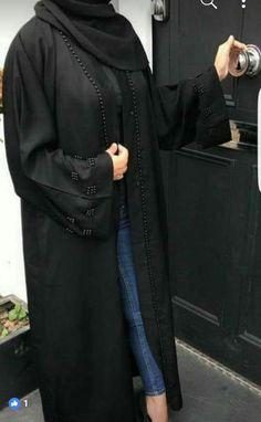 Abayat Burqa Designs, Abaya Designs, Niqab Fashion, Muslim Fashion, Modern Abaya, Modele Hijab, Black Abaya, Arabic Dress, Hijab Fashionista
