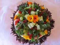 Purppurahelmen juhla- ja  fantasiakakut: Lihavoileipäkakkua Cobb Salad, Food, Eten, Meals, Diet
