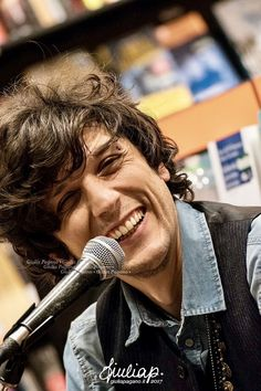 Ermal Meta I Smile, Hot Boys, Celebrity Crush, Che Guevara, Crushes, Singer, Celebrities, Artist, People
