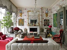 Old and new come together in this eclectic room - 5 Reasons to Love Eclectic, Maximalist Style Eclectic Design, Eclectic Decor, London Living Room, Maximalist Interior, Interior Styling, Interior Design, Eclectic Living Room, Diy Home Decor On A Budget, Home Room Design