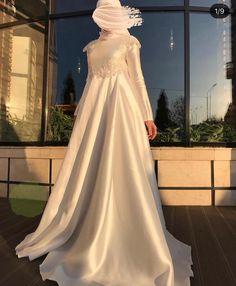 Muslimah Wedding Dress, Muslim Wedding Dresses, Muslim Dress, Wedding Gowns, Muslim Fashion, Hijab Fashion, Fashion Dresses, Bridal Hijab, Beautiful Gowns