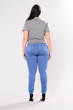 plus-size Curvy Women Fashion, Plus Size Fashion, Sexy Jeans, Skinny Jeans, Curve Jeans, Swimsuits For Curves, Culottes, Curvy Outfits, Cute Casual Outfits