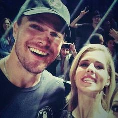Emily Bett Rickards and Stephen Amell #SDCC ♥
