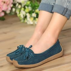 Women genuine leather shoes woman lace-up zapatos mujer suede leather lady mocca. - Women genuine leather shoes woman lace-up zapatos mujer suede leather lady moccasins spring woman loafers shoes Source by crystalmatx - Comfy Shoes, Cute Shoes, Me Too Shoes, Casual Shoes, Leather Fashion, Fashion Shoes, Fashion Clothes, Loafer Shoes, Shoes Heels