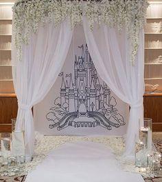 111 отметок «Нравится», 2 комментариев — Свадебный декор со смыслом (@ameli_wedding) в Instagram: «Каждая маленькая девочка мечтает жить в замке с любимым принцем! Девочки вырастают, встречают своих…»