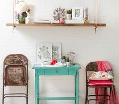 Vintage me!! Need this table!!