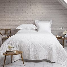 Dorchester Bed Linen Collection - Bed Linen | The White Company קיר בריקים