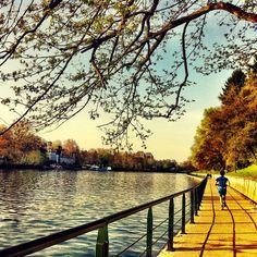 Torino lungo fiume http://viaggi.asiatica.com/
