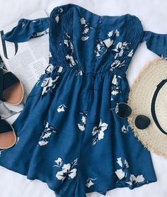 Exploring Florence Blue - Off-the-shoulder Romper with floral pattern - Summer Outfits Casual Outfits, Cute Outfits, Fashion Outfits, Womens Fashion, Fashion Clothes, Casual Dresses, Spring Summer Fashion, Spring Outfits, Color Type