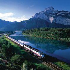 Photos : les trains les plus légendaires du monde | Planet. Le Rocky Mountainer : train où tout devient un régal pour les yeux.