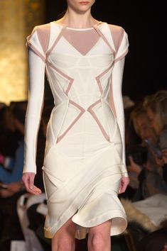 Hervé Léger by Max Azria Fall 2015 Runway Pictures - StyleBistro