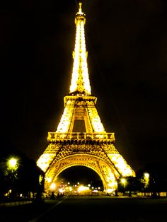 Paris with my boyfriend (by MonicaH) - Been there (not with your boyfriend though).