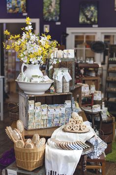 Soapy Gnome entices and inspires with creative displays - Gift Shop Magazine. Winner of the Creative Display Contest Gift Shop Displays, Shop Window Displays, Store Displays, Gift Shop Decor, Christmas Shop Displays, Booth Displays, Retail Displays, Jewelry Displays, Gift Shop Interiors