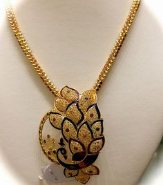 Gold Chain with Peacock Pendant - Indian Jewellery Designs Gold Mangalsutra Designs, Gold Earrings Designs, Gold Designs, Gold Chain Design, Gold Jewellery Design, Fancy Jewellery, Designer Jewelry, Gold Chain With Pendant, Chain Pendants