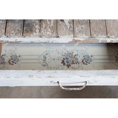 Rachel Ashwell Shabby Chic Couture - White Table