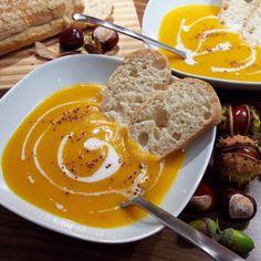 : Butternut-Kürbis-Suppe mit Süßkartoffel und Zimt