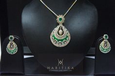 An Elegant and Classy Pendant Set made in 14k Hallmarked Gold.
