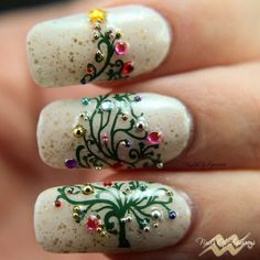 # NAILS Macro photo: Girly Bits Eggnogoholic, Mundo de Unas, UberChic Christmas 01