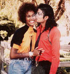 Whitney Houston & Michael Jackson inspiring people though their music Paris Jackson, The Jackson Five, Jackson Family, Mike Jackson, Michael Jackson Art, Lisa Marie Presley, Elvis Presley, Mtv, The Jacksons