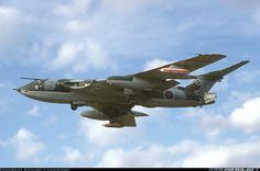Aviation Photo Handley Page Victor - UK - Air Force Navy Aircraft, Ww2 Aircraft, Military Aircraft, Handley Page Victor, Avro Vulcan, Aeroplanes, Nose Art, Royal Air Force, Air Show