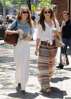 Love this look! Easy to pull off if you have an eye for style.  chambray + high-waisted white pants #Boho #chic #mature