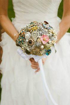 Vintage Brooch Bridal Bouquet