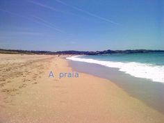 Praia: extensión de area ou pedra miúda, polo xeral plana, á beira do mar ou dun río Rio, Beach, Water, Outdoor, Gripe Water, Outdoors, Seaside, The Great Outdoors, Aqua
