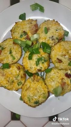 Banting Recipes, Low Carb Recipes, Diet Recipes, Cooking Recipes, Healthy Recipes, Cauliflower Bites, Loaded Cauliflower, Breakfast Bites, Breakfast Recipes