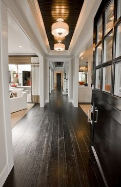 Love the white walls between the dark ceiling and floors. I shall call this hallway the Oreo.