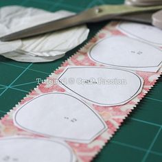 Quilt | Quick Fusible Applique Method | Free Pattern & Tutorial at CraftPassion.com