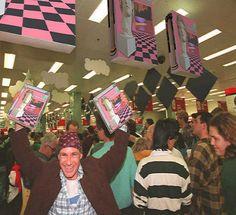 Vaporwave | Humor | Windows 95 selling | Macintosh Plus