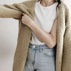 Oversized Knit Cardigan, Knit Cardigan Pattern, Sweater Cardigan, Jumper, Chunky Sweaters, Winter Sweaters, Chunky Sweater Outfit, Knit Vest, Casual Sweaters