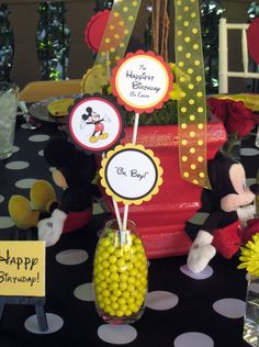 Mickey Mouse table decorations for Disney party