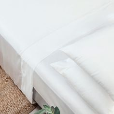 Our eco-friendly CleanBamboo™ sheets feel as luxe as they look. Play it smooth and keep your cool all night in cruelty-free organic bamboo. Twin Sheets, Twin Sheet Sets, Flat Sheets, Sheets Bedding, Best Cooling Sheets, Cheap Cottages, Sustainable Textiles, Night Time Routine, Eclectic Decor