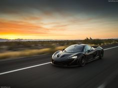 Beautiful McLaren P1 and a beautiful sunset!   This could be you by signing up to our free Supercar experience giveaway by hitting the image...