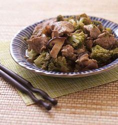 Wok de filet mignon de porc aux brocolis et champignons shiitakés - les meilleures recettes de cuisine d'Ôdélices
