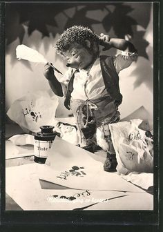 tolle AK Mecki tut sich schwer beim Schreiben eines Briefes 1961 in Sammeln & Seltenes, Ansichtskarten, Motive | eBay