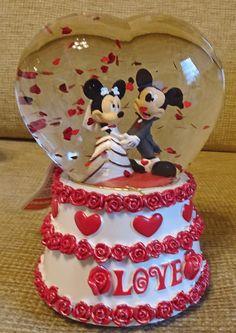 Disney Land Paris- Mickey and  Minnie Mouse Heart Wedding Musical Snow Globe