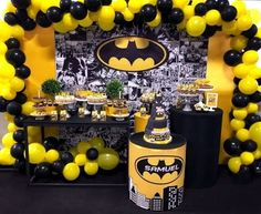 Batman's Party: 70 ideas that will cheer up bats Superhero Party Decorations, Birthday Party Decorations Diy, Party Themes For Boys, Birthday Backdrop, Birthday Party Themes, Baby Boy 1st Birthday Party, Batman Birthday, Superhero Birthday Party, Batman Party Supplies