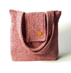 AMY Big HERRINGBONE Wool Peche // French Shoulder Bag