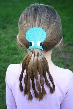 45 Trendy hairstyles for school children crazy hair days Crazy Hair Day Girls, Crazy Hair For Kids, Crazy Hair Day At School, Days For Girls, Crazy Hat Day, Little Girl Hairstyles, Hairstyles For School, Trendy Hairstyles, Wacky Hairstyles