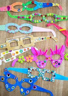 Machen Sie lustige Brillen mit den Kindern! Muster,Form und Farbe sind egal. Los geht's!