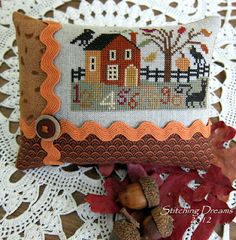 Stitching Dreams: Small Finishes and Fall Travels - I love the finishing on these.