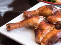 Peach-Glazed Chicken With Grilled Peaches | Old Farmer's Almanac