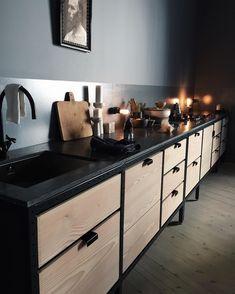 Frama Studio Kitchen in the beautiful apartment of - framacph Modern Kitchen Cabinets, Kitchen Furniture, Kitchen Interior, Home Interior Design, Kitchen Dining, Wood Cabinets, Modern Outdoor Kitchen, Rustic Kitchen Design, Studio Kitchen