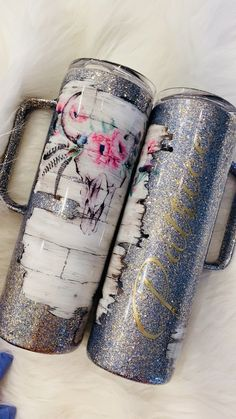Hand painted shiplap with beautiful floral skull customized with names in metallic gold crafts diy videos Shiplap boho tumbler Vinyl Tumblers, Personalized Tumblers, Custom Tumblers, Mom Tumbler, Tumbler Cups, Coffee Tumbler, Anniversary Ideas For Him, Glitter Cups, Glitter Tumblers