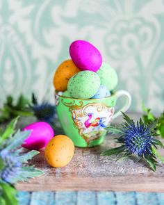 Dekoracje na Wielkanoc 2018 – zobacz więcej zdjęć na weranda.pl #dekoracje #wielkanoc #zastawa #dekorowanie #dom #ozdoby #swiateczne #zajaczki #DIY #galeria #jaja #zajac #kroliczki #pisanki #koszyczek #koszyk  #stół #dodatki #motywy #decoration #easter #spring #bunny #xmas #home #ideas #inspirations #eggs