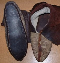 A Woodsrunner's Diary: Making Woodland Indian Center Seam Moccasins.