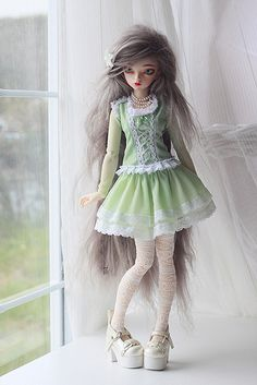 melina-dolls:  Still green… by Plume Blanche Créations on Flickr.